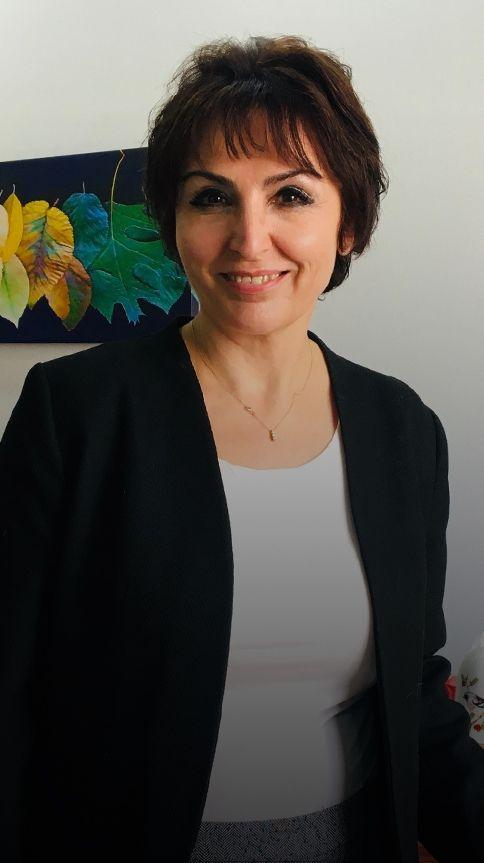 Uzm. Dr. Nur Topcu